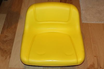 John Deere Factory Second Lawn Tractor Mower Seat Lowback  P/N GY12209 NEW