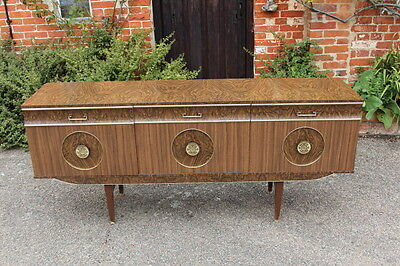 Stunning Large 50's 60's Formica sideboard/cabinet/TV stand 6 feet long !