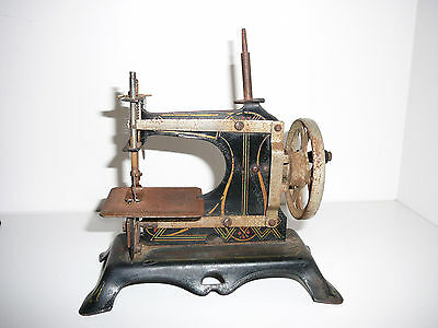 Antique Child's Toy Sewing Machine Cast Iron Germany Hand Crank Collectable
