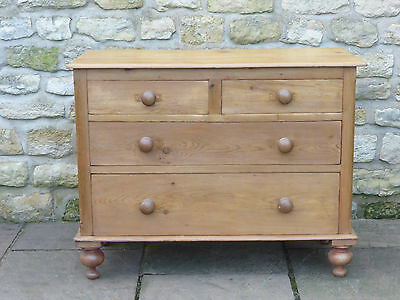 Antique Victorian Stripped Pine Chest of Drawers, 2 over 2 on Turned Feet