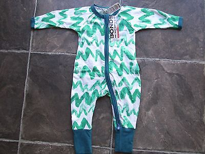 BNWT Baby Boy's Bonds Green & White Zip Wondersuit/Coverall/Sleeper Size 000