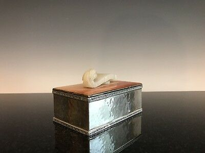 An Antique Silver Agate And White Jade Black Stark & Frost Cigarette Box