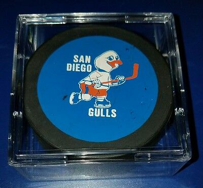 San Diego Gulls Vintage Hockey Puck WHL MADE IN CANADA 1970's