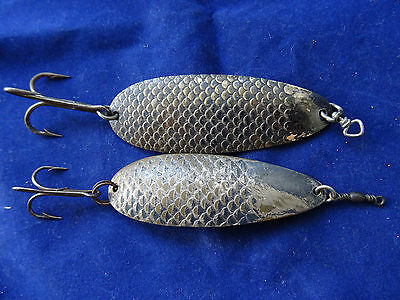 "A Scarce Pair Of Vintage Hardy The ""bergen"" Salmon Spoon Lures"