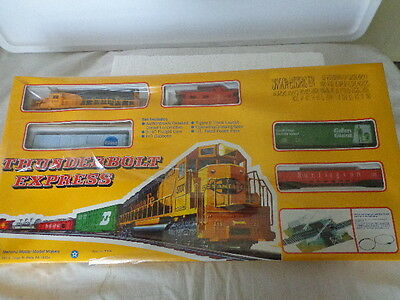 Mehano  Ho Scale Train Set Sante Fe Thunderbolt Express Train Set