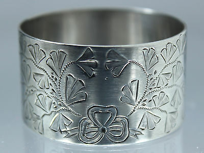Silver Napkin ring by Walker and Hall - solid silver 1902 quality heavy 30 grams
