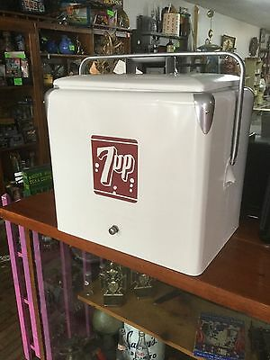VINTAGE 7UP A1 COOLER!! - Great Condition, little rust or dings - Rare!