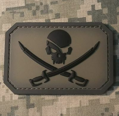 Pvc Pirate Skull & Swords 3D Pvc Flag Us Usa Army Military Acu Hook Patch