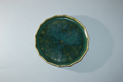 Serving dish or plate in shape of lotus leaf, Oribe stoneware, Japan, mid-20th c