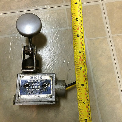 Honeywell Microswitch Switch #BZE-2RN4 w/Paddle Attachment Used