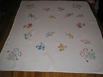 Vintage Hand Embroidered Tablecloth 35 X 29 Ins.