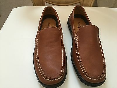 Tommy Bahama leather  brown slip on mens shoes size 8M