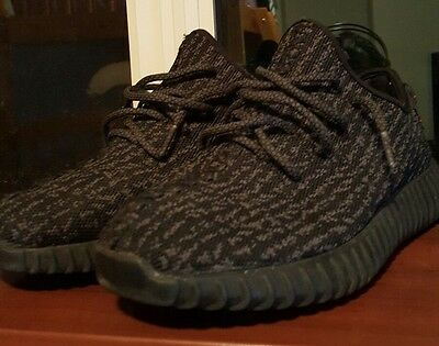 Yeezy boost 350 pirate black size 8.5