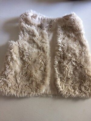 Baby Zara Girls Cream Faux Fur Gillet 24-36 Months