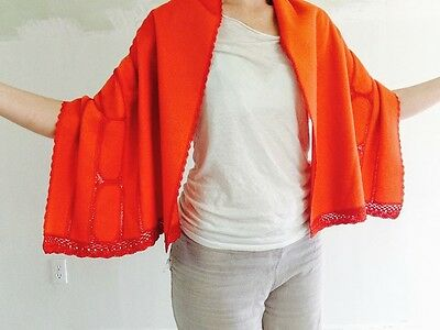 Vintage Very Soft Wool Kimono Shawl. Japanese. Floral Crocheted Silk Lace