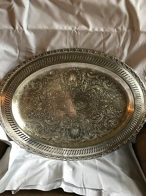 BEAUTIFUL International silver company Camelot oval serving tray 6109 16 Inch