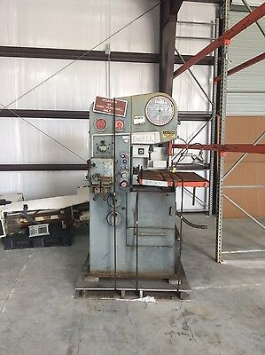 DoAll Vertical Bandsaw Model 1612.3