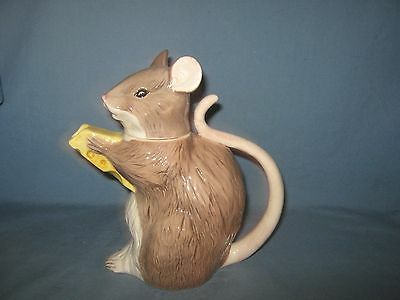 Beautiful Vintage Beswick Mouse Teapot