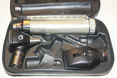 Welch Allyn Diagnostic Set Otoscope Ophthalmoscope New WA 3.5v Battery
