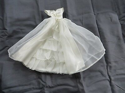 Vintage Original Barbie #947 Bride's Dream Wedding Dress Gown
