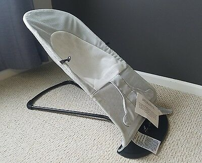 BabyBjorn Bouncer Balance Soft in Silver/White Cozy Mesh