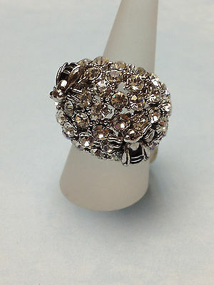 BEE BEES  PRETTY SILVER RING  w/ IRIDESCENT STONES  WOMENS  SIZE 7 NEW cute gift