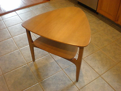Vtg Mid Century Danish Modern Triangular End Table & Coffee Table Solid Wood MCM