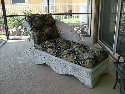 Antique wicker daybed