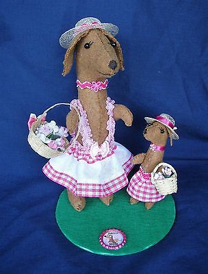 Dachshund Red Brown Pink Doxie Mom Mother's Day With Puppy Decor Felt Sculpture