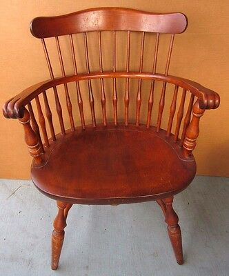 Vintage NICHOLS & STONE WINDSOR HOOP BACK MAPLE ARM CHAIR DINING ACCENT