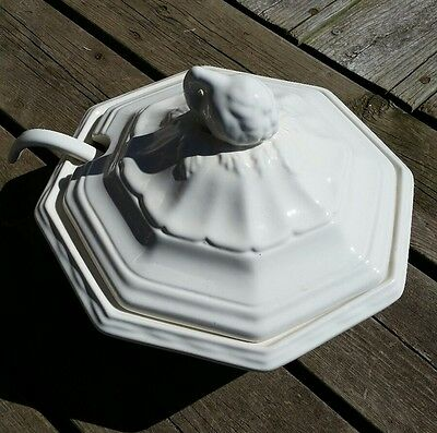 Soup Tureen. White porcelain.
