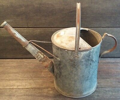 Vintage Galvanised Old Rustic Watering Can - Garden/Florist Prop - Planter/Pot