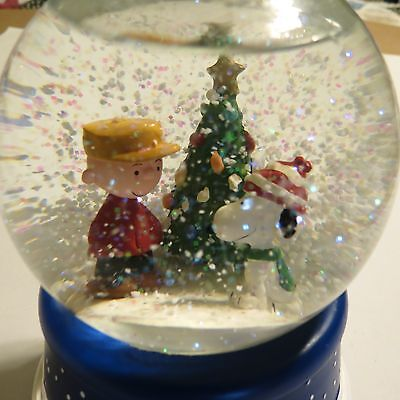 Peanuts/ Snoopy/ Charlie Brown Christmas 50th  Snow Globe- music not working
