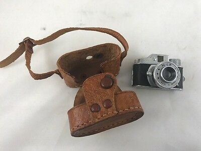VINTAGE Japanese 1950s HIT Mini Spy Camera With Case Made in Japan