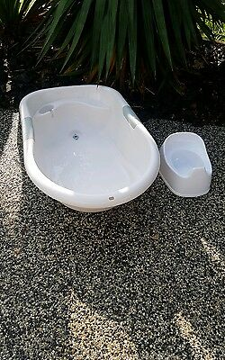 Baby Bath and pottie in very good clean condition