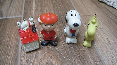 1972 set of 4  Peanuts Snoopy Determined plastic Christmas ornament