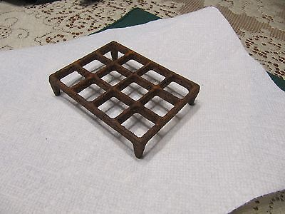 Vintage / Antique Cast iron Grate? Small Part for Pot Belly Stove?