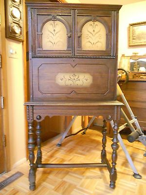Drop Front Desk Late 17th century William & Mary Walnut excellent condition