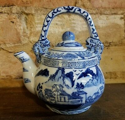 Nice Blue & White Signed Chinese Ceramic Porcelain Teapot House & Mountains
