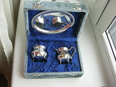 Old silver plated Creamer & Sugar Bowl in Presentation Case