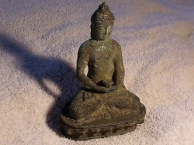 Rare old Archaic Bronze Stately Buddha sculpture Figurine