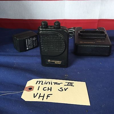 Motorola Minitor III (3) VHF 151 - 159 MHz 1CH Stored Voice Pager w/Charger