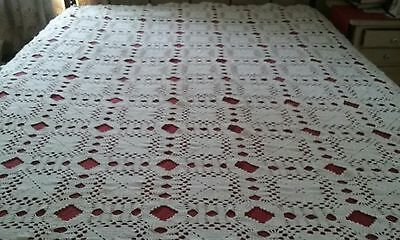 "BEAUTIFUL VINTAGE 84""x92"" HAND CROCHETED WHITE COTTON BED COVER"