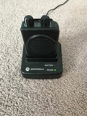 Motorola MINITOR V - UHF PAGER 453-461.9875 MHz 2-CHANNEL NSV w/Charger & Prog