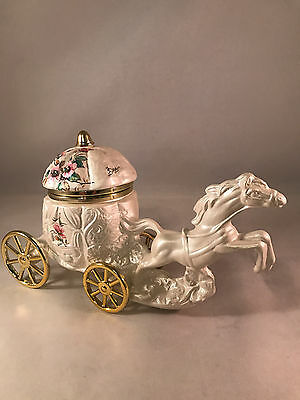 VTG Signed Berger Irridescent Pearl Porcelain Horse & Carriage Trinket Box Italy