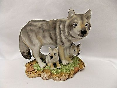 Gray Wolves Family Masterpiece Porcelain Homco #1995 Figurine Beautiful Detail