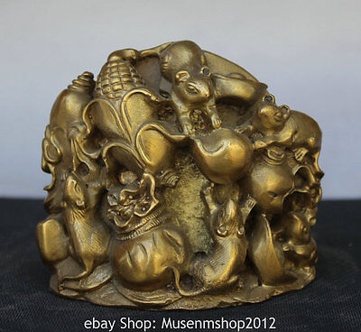 """4"""" Chinese Folk Brass Zodiac Year Mouse Steal Corn Money Bag Wealth Coin Statue"""