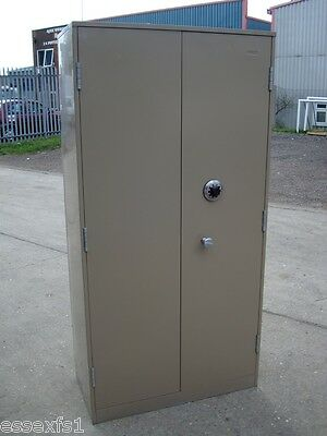 Ex-MOD 2 Door Security Cupboard / Safe | High Security Chubb Manifoil Combi Lock