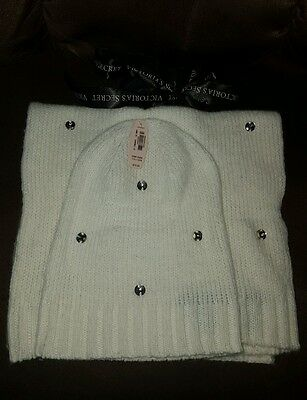 Victoria Secret winter hat and scarf bundle new with tag
