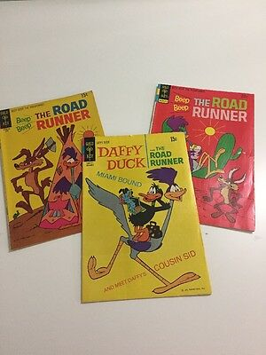 Lot of 3 Road runner 1970s Vintage Comic Books Daffy Duck Miami Wile E Coyote